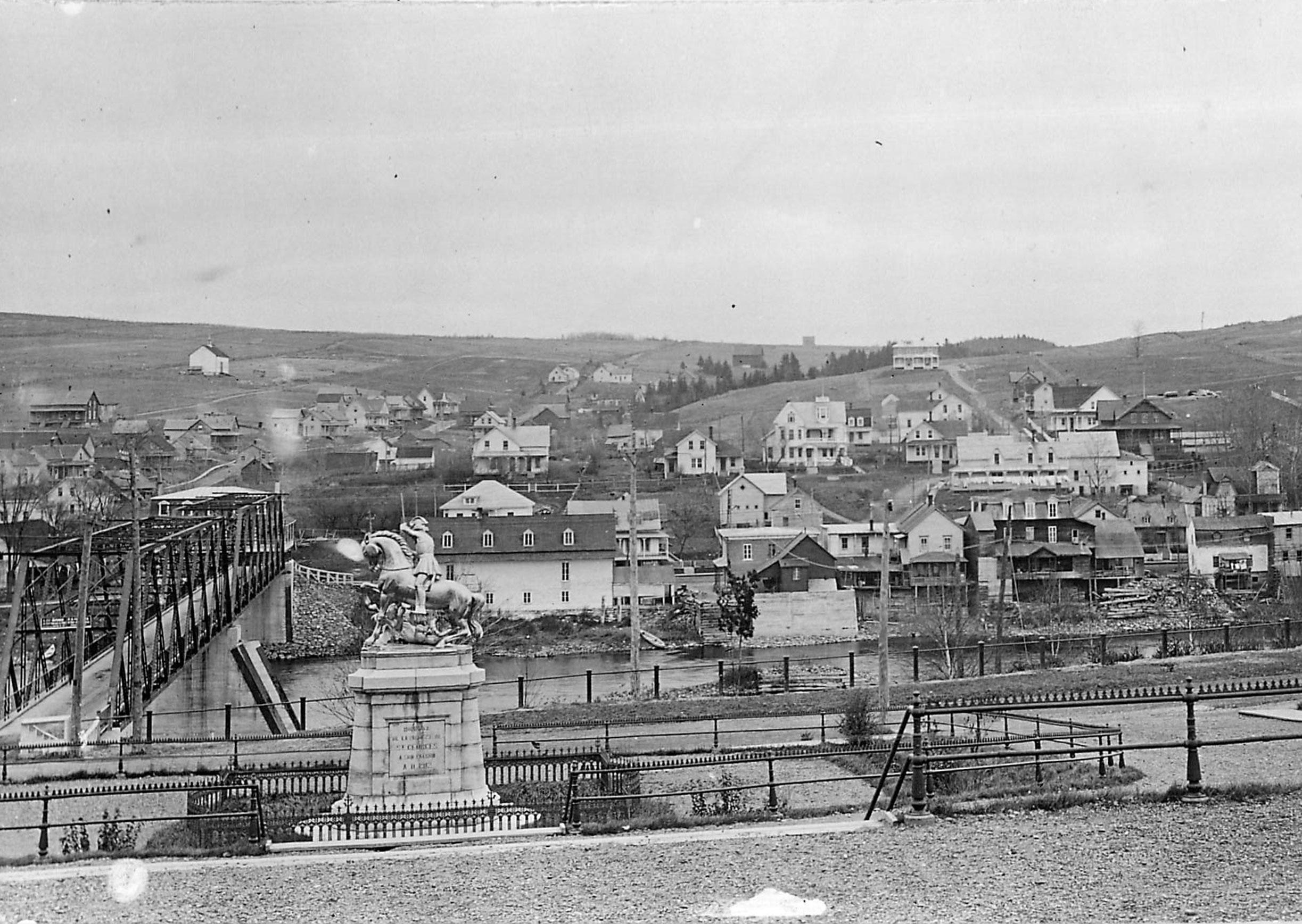 img-statue-chevalier-pont-fer-1912